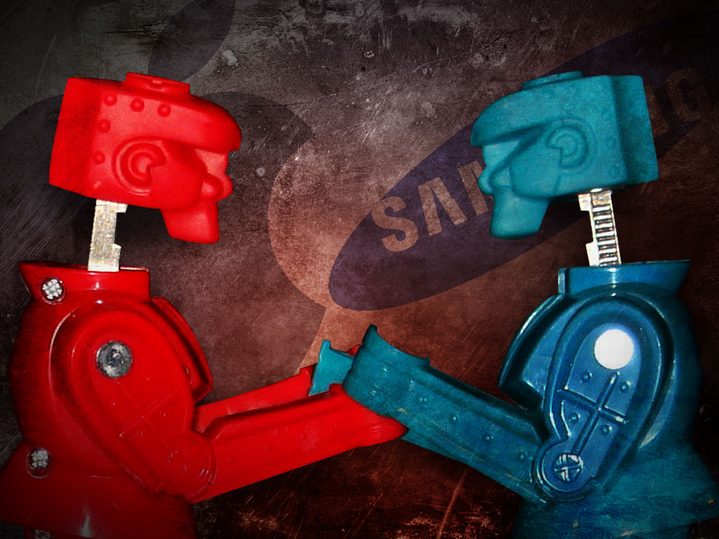 apple-vs-samsung-rock-em-sock-em-robots