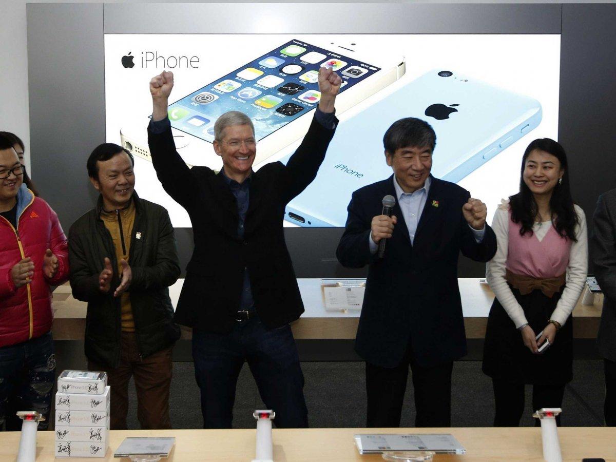 tim-cook-apple-china-mobile-12
