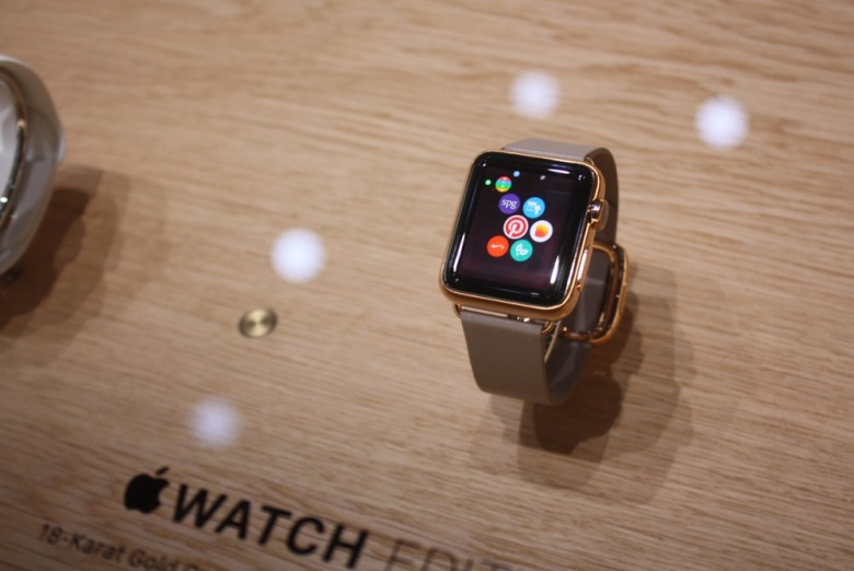 apple-watch-hands-on-2-780x522