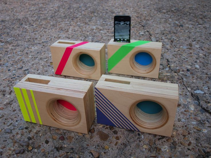 woodblock iphone speakers with stripes